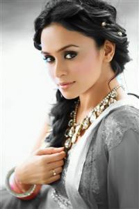Amruta Khanvilkar profile picture
