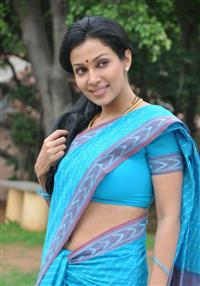 Flora Saini profile picture