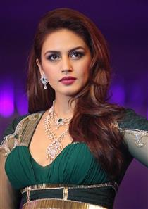 Huma Qureshi profile picture
