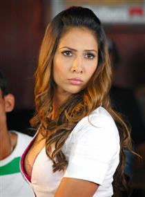 Kim Sharma profile picture