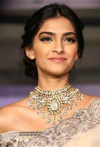Sonam Kapoor profile picture