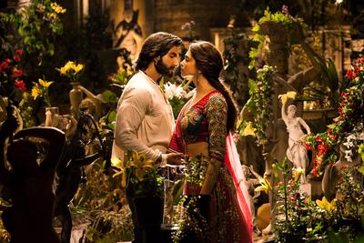 Goliyon Ki Raasleela Ram-leela Movie Poster